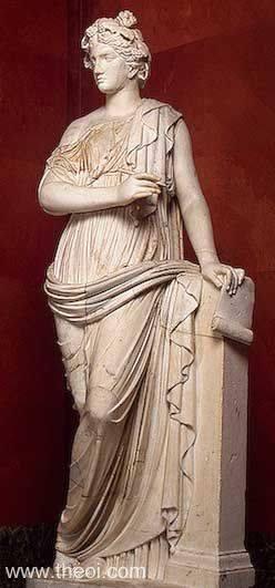 Kleio Statue